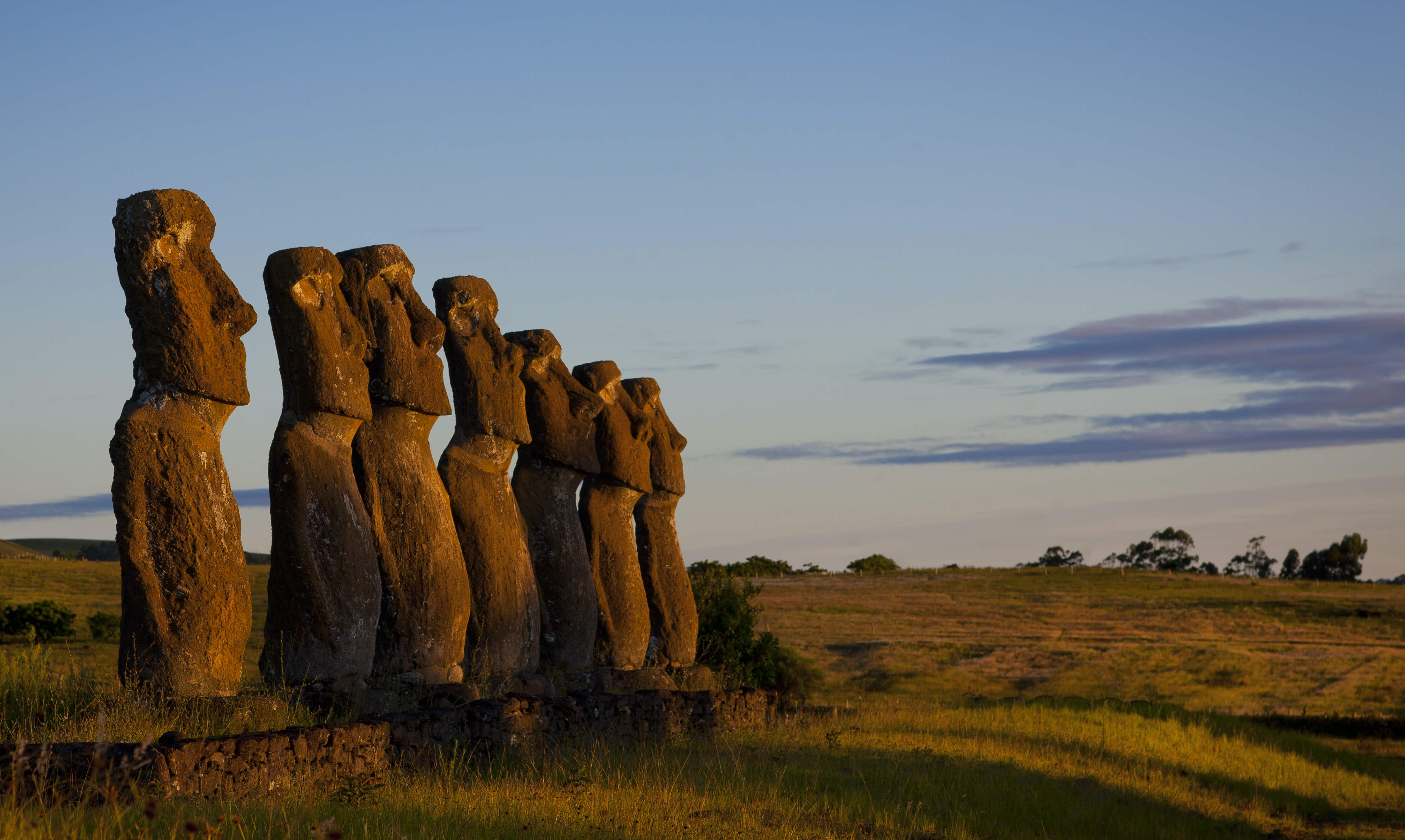 Seven stone moai at Ahu Akivi © Eric Lafforgue / Lonely Planet