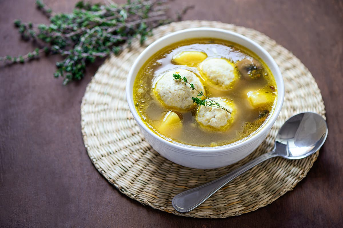 How to make Jewish chicken and matzo ball soup