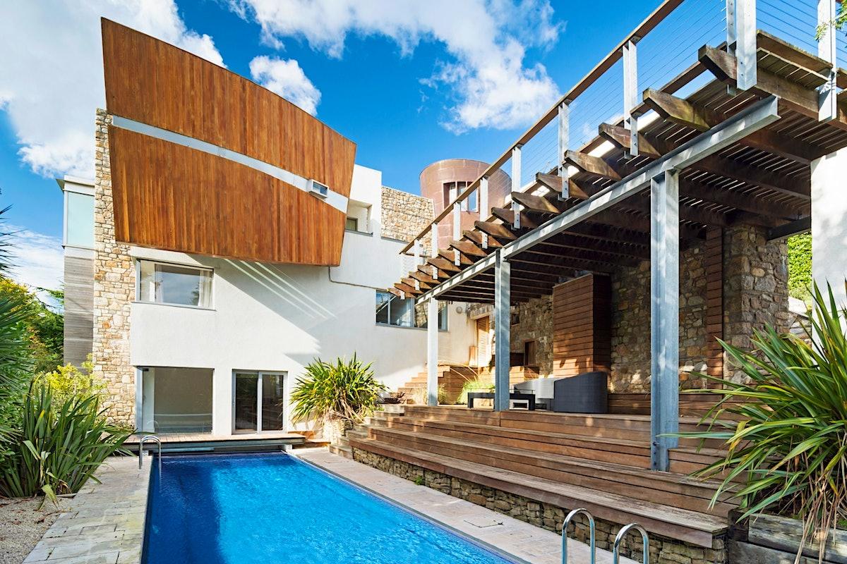 Matt Damon's luxury Irish Airbnb is up for rent again soon