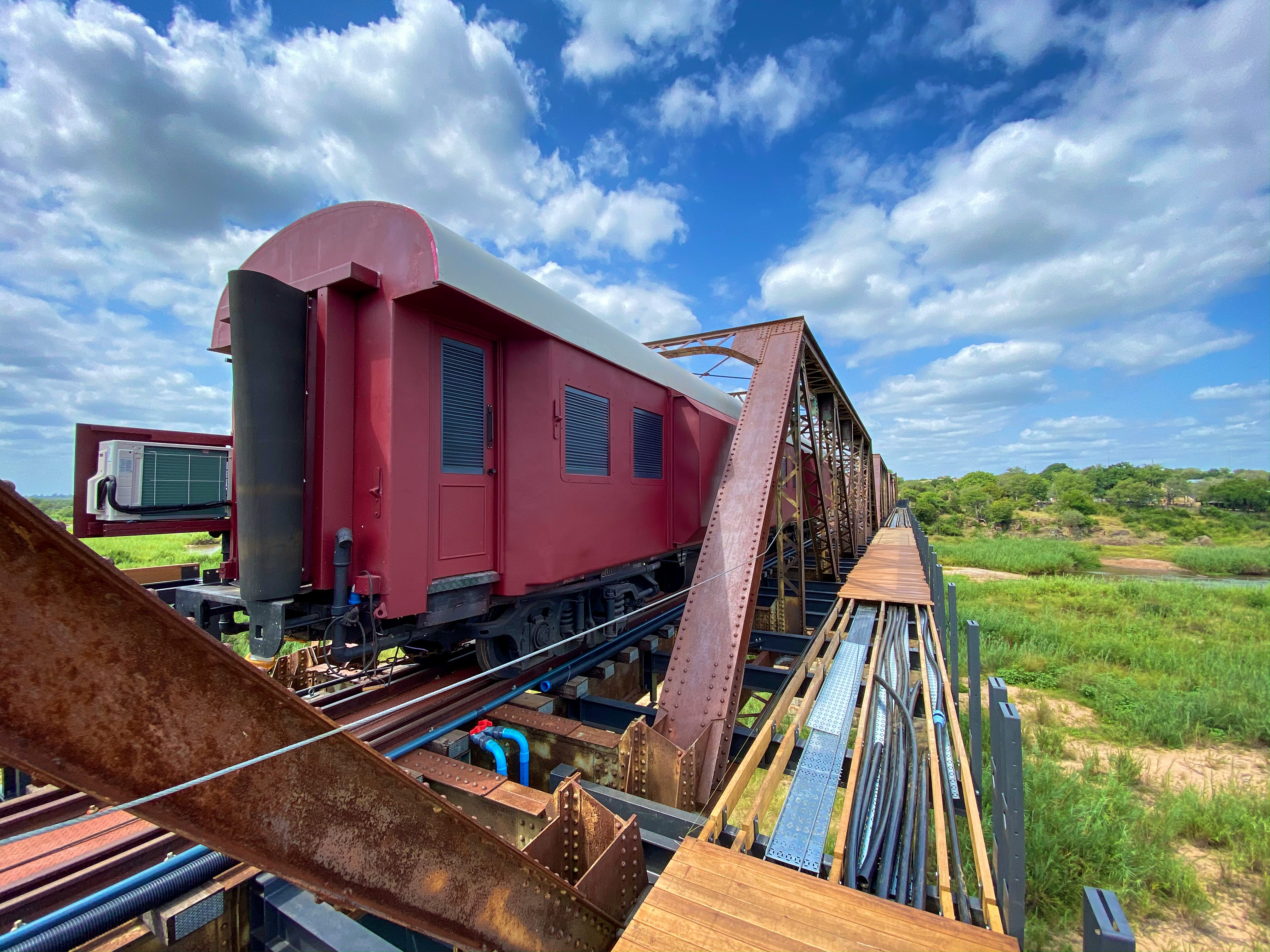 You'll soon be able to stay in a luxury train-hotel on a bridge ...