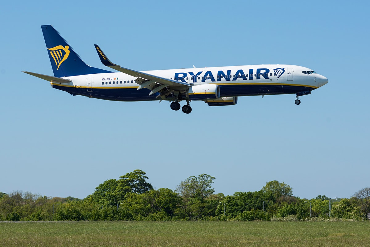 SOUTHEND ON SEA, ENGLAND - MAY 05: A Ryanair Boeing 737-800 with the tail number E1-GXJ comes into land at London Southend Airport on May 5, 2020 in Southend On Sea, England. (Photo by John Keeble/Getty Images)