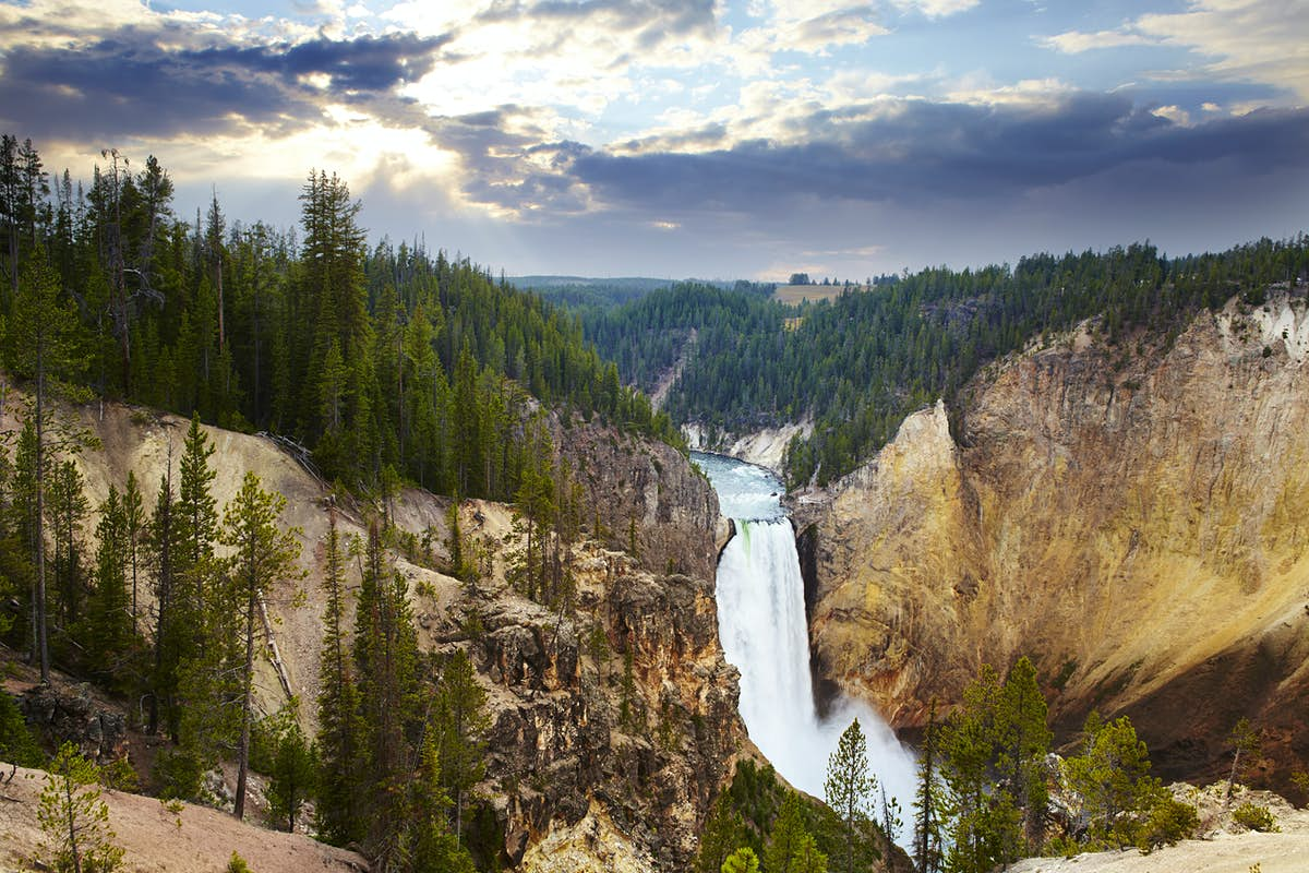 The complete guide to Yellowstone National Park