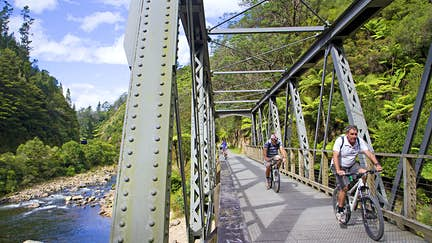 Ten stunning New Zealand cycle rides