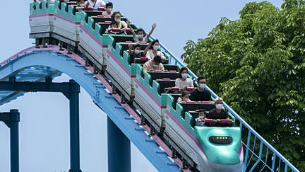 No screaming on rollercoasters under new rules for Japanese theme parks