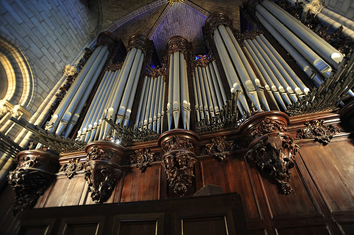 https://lp-cms-production.imgix.net/2020-08/Notre%20Dame%20Organ.jpg?w=1200&sharp=10&vib=20