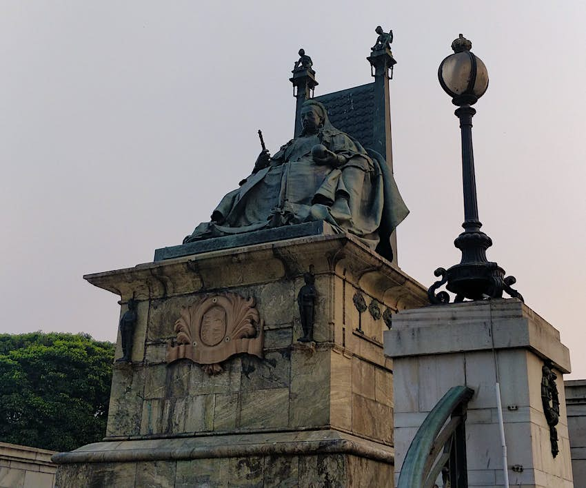 IMG-20181227-163146The copper statue of Victoria at the Victoria Memorial. The memorial was built between 1906-1921..JPG