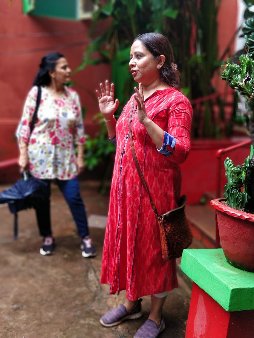 Navpreet Arora on Fun on Street who conducts Bari Pujo walks for indian and foreign guests..JPG
