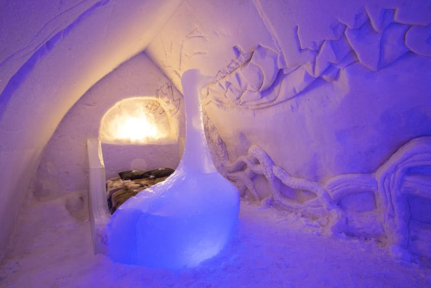 Snowhotel suite.jpg