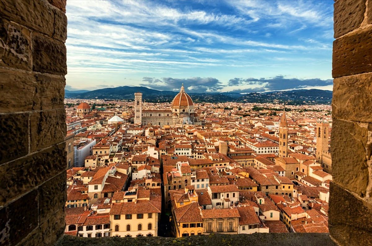 Florence from sky to earth: green routes, exquisite craftsmanship and ancient towers