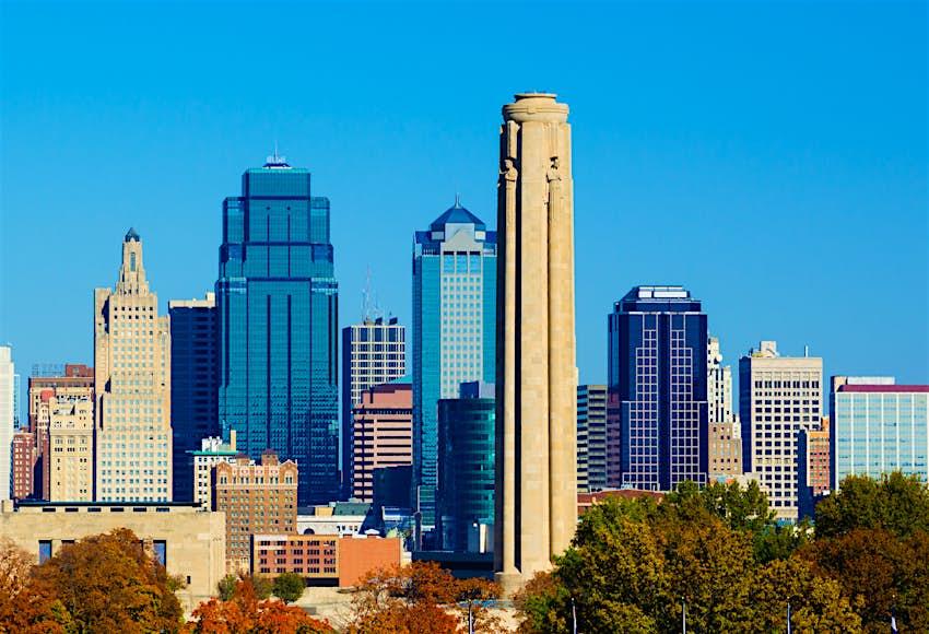 Kansas City skyline and Liberty Memorial