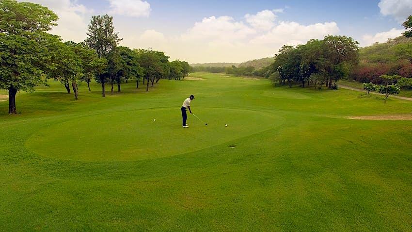Golf ITC Grand Bharat.jpg