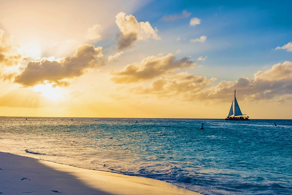 When is the best time to go to Aruba
