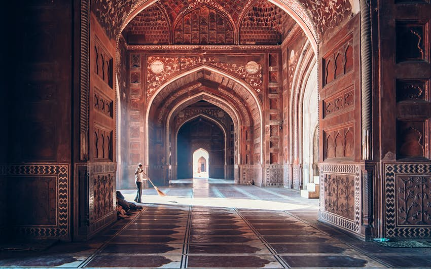 Introducing the Taj Mahal - Lonely Planet