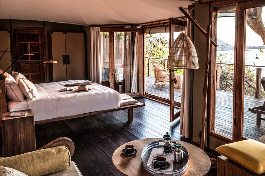 Suite de dormitorio de lujo