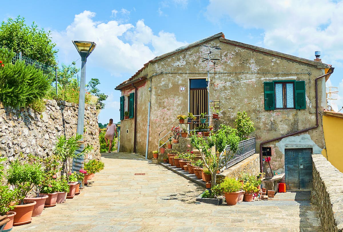 The Italian towns where you can bid €1 on a house - Lonely Planet