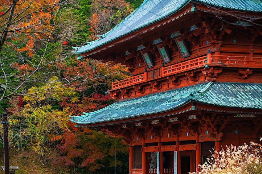 Kinki_Spiritual_daimon_gate.jpg