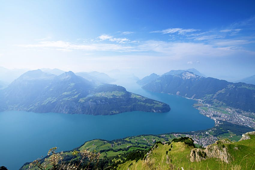Overview of Lake Lucerne and Rutli meadow from Fronalpstock.