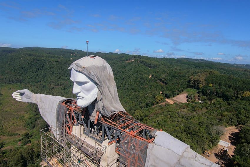 A statue of Christ is built in Brazil.