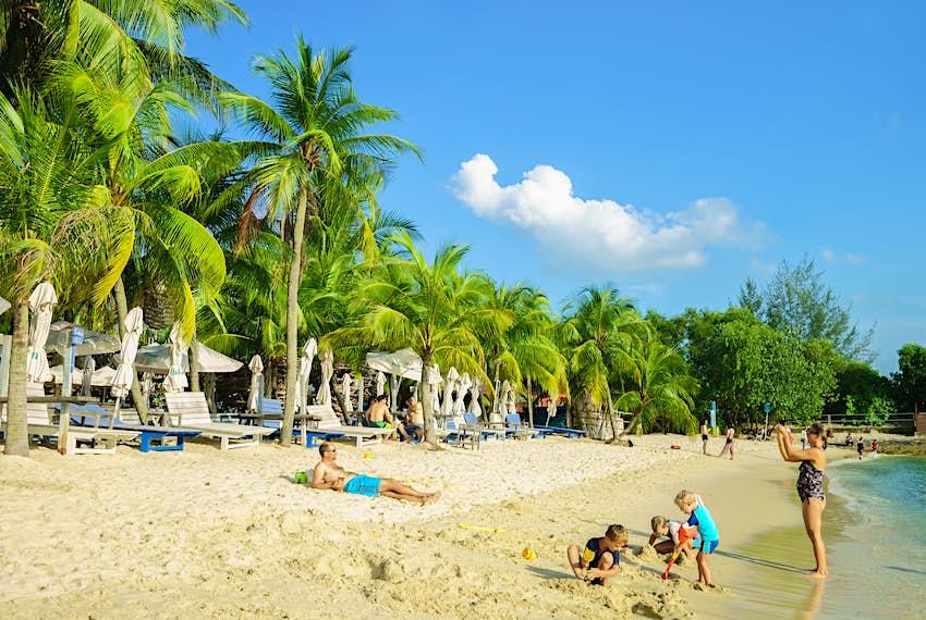 Family on Siloso Beach