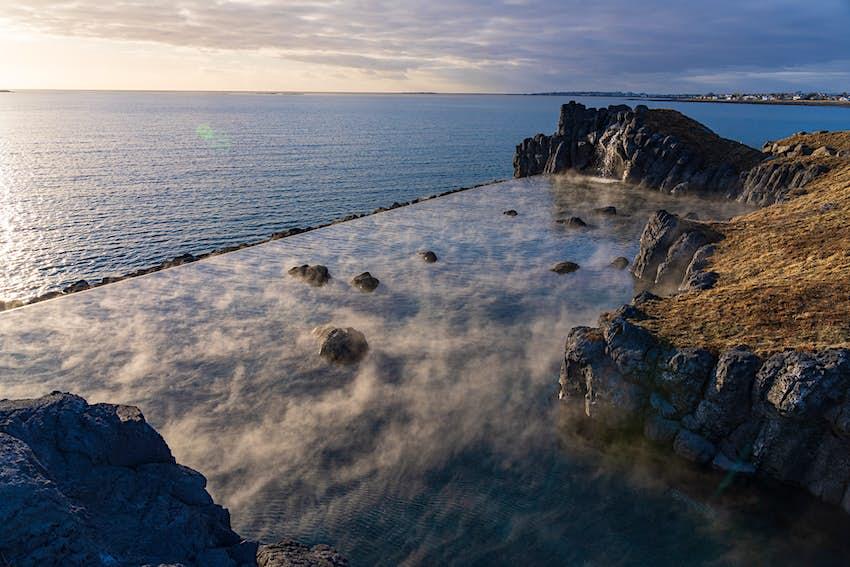 Sky Lagoon, baðlón á ysta odda Kársnessins.