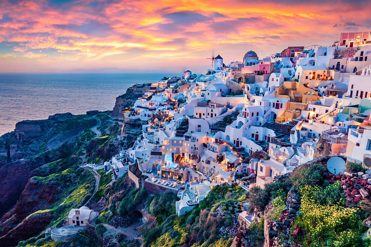 """""""We are open"""" - Greek islands plan for summer as vaccinations ramp up"""