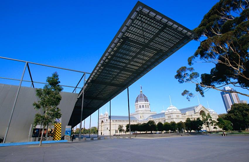 Facade of the modern Melbourne Museum in Carlton Gardens