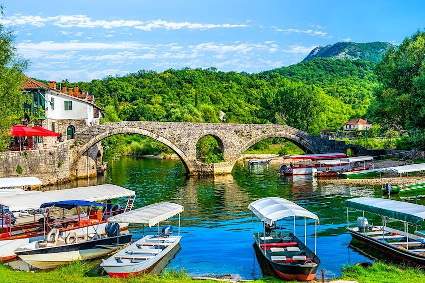 Montenegro_Rijeka_Crnojevica.jpg