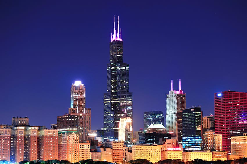 View of Chicago cityscape with Willis Tower in the center