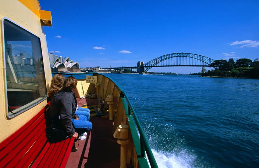 Chuyến phà đầy nam tính ở Sydney và Cầu cảng Sydney
