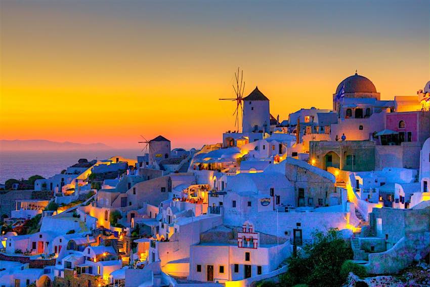 Μαγικό ηλιοβασίλεμα στη Σαντορίνη