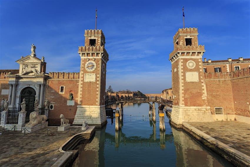 Porta Magna and Arsenale entrance (naval shipyard), in winter afternoon sun, Castello, Venice, UNESCO World Heritage Site, Veneto, Italy, Europe
