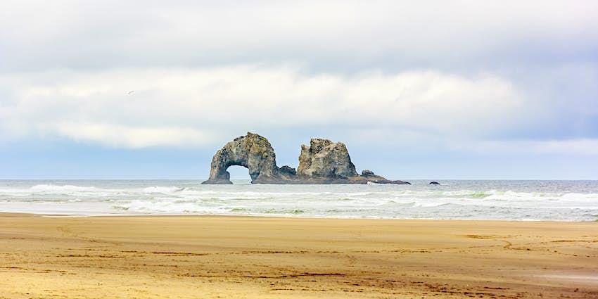 Twin Rocks vor der Küste am Rockaway Beach