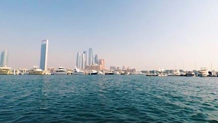 Explore the coast by speedboat