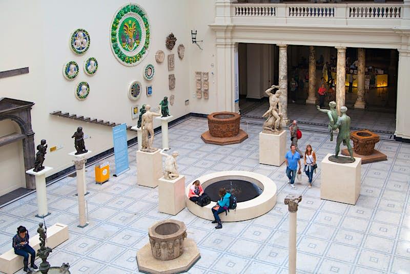 O Victoria & Albert Museum possui mais de 100 galerias © IR Stone / Shutterstock