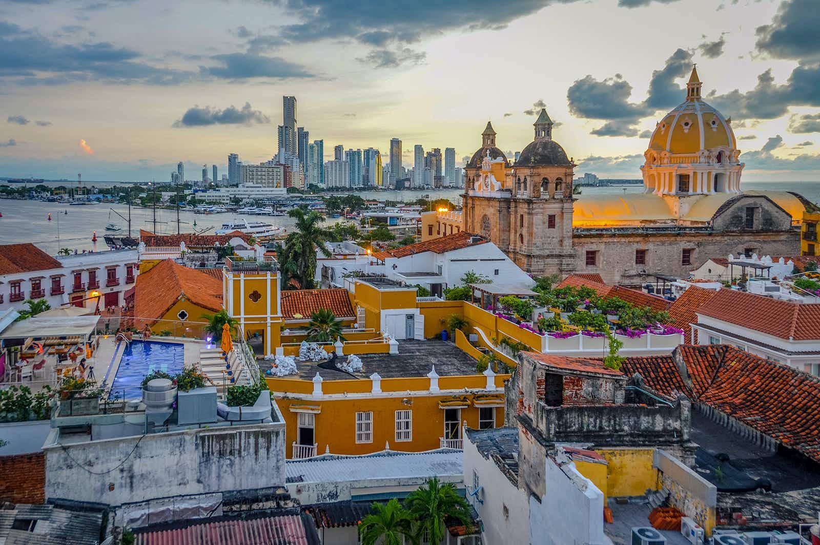 ผลการค้นหารูปภาพสำหรับ Cartagena Old Town lonely planet