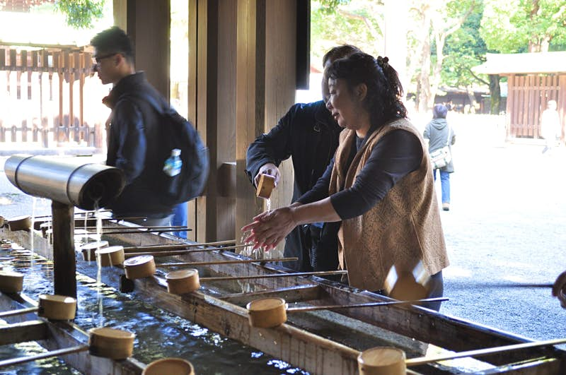 Washing hands before a shrine visit