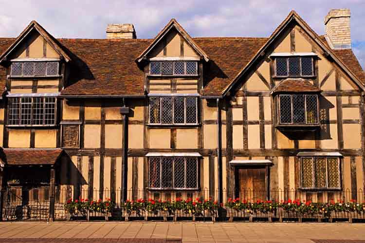 Shakespeare's Birthplace, in Henley Street, Stratford-upon-Avon, England. Image by Glenn Beanland / Lonely Planet Images / Getty Images.