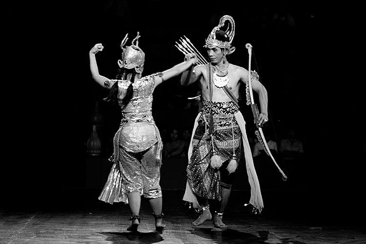 A pair of dancers performing during the ballet. Image by Stuart Butler / Lonely Planet.