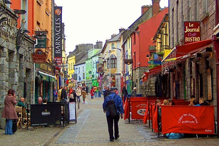 Quay Street, Galway. Image by Irish Jaunt / CC BY-SA 2.0