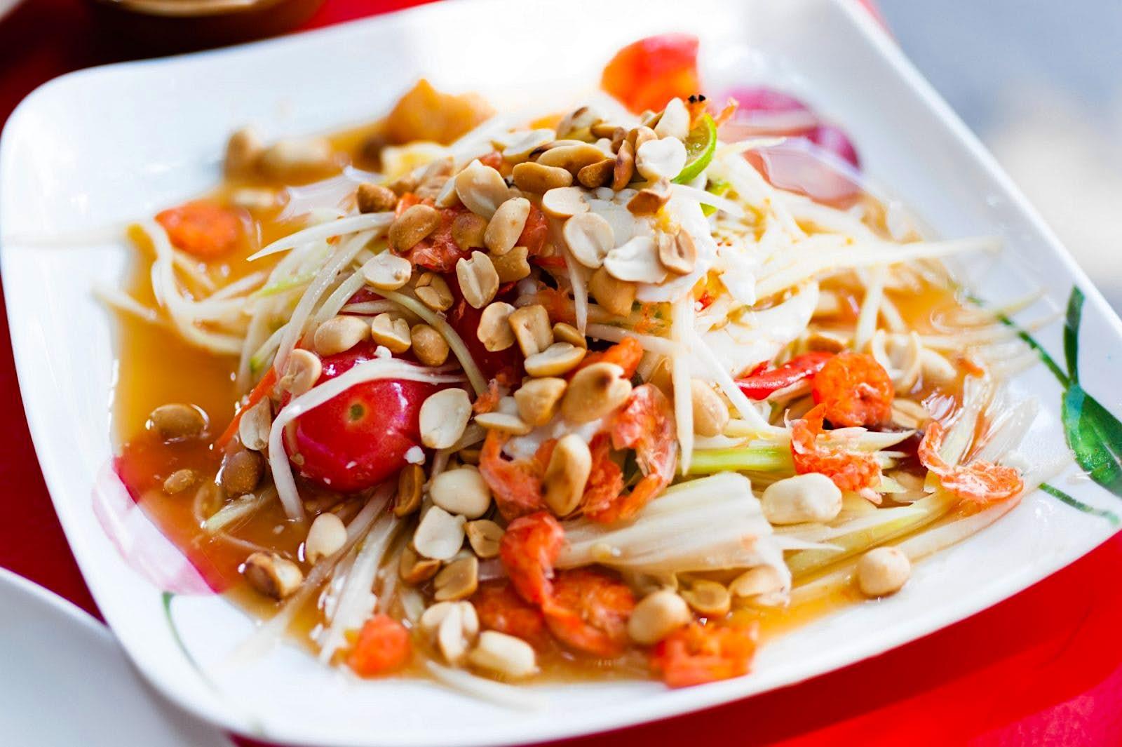 واحدة من أشهر المأكولات التايلاندية في بانكوك