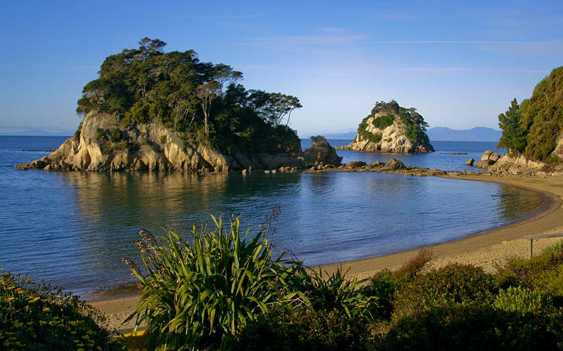 Kaiteriteri's beaches are a welcome rest after powering your calves along New Zealand's Great Taste Trail. Image by Jonathan Reid / CC BY 2.0