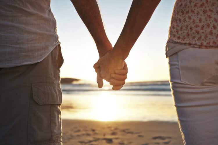 Opinion: romantic destinations are fatal for love