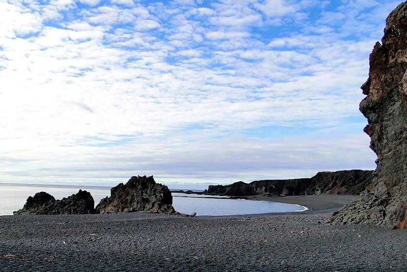 The black-sand beach at Djúpalónssandur. Image by Almir de Freitas / CC BY 2.0