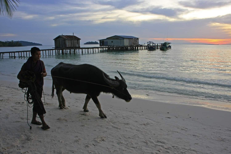 Island hopping off Cambodia's coast