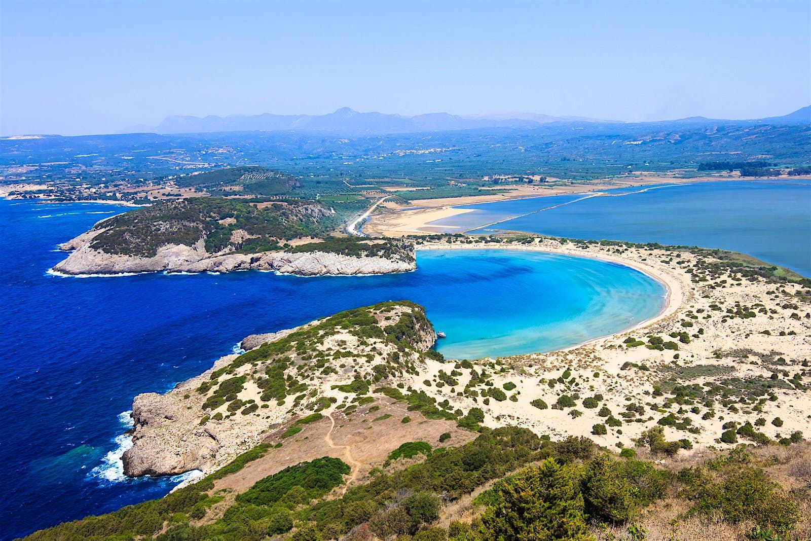 The lagoon of Voidokilia in the Bay of Navarino © Nick Pavlakis / Shutterstock