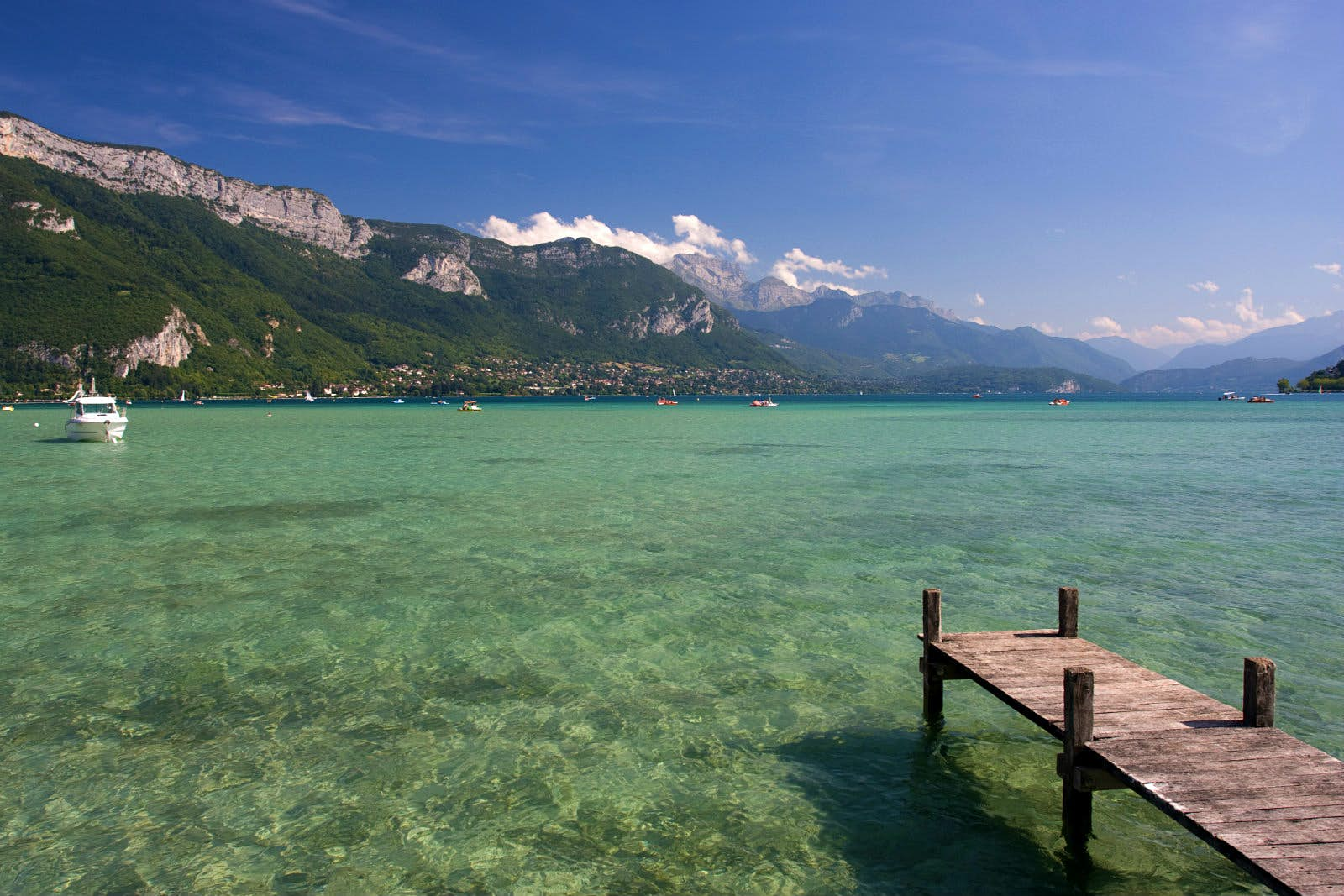 Mountain gazing should keep you occupied between swims in the pure waters of Lac d'Annecy © Pidi / Getty Images