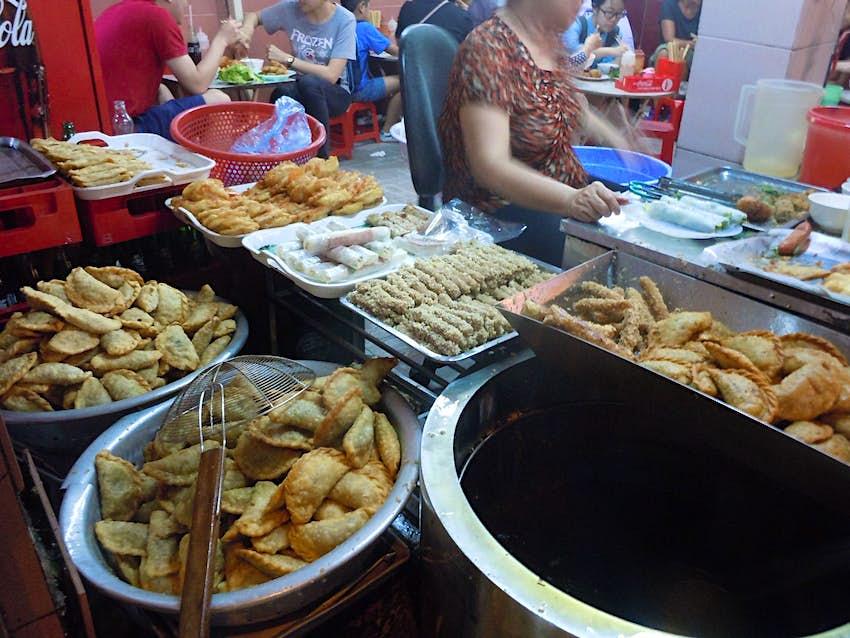 Stall selling banh ghoi dumplings