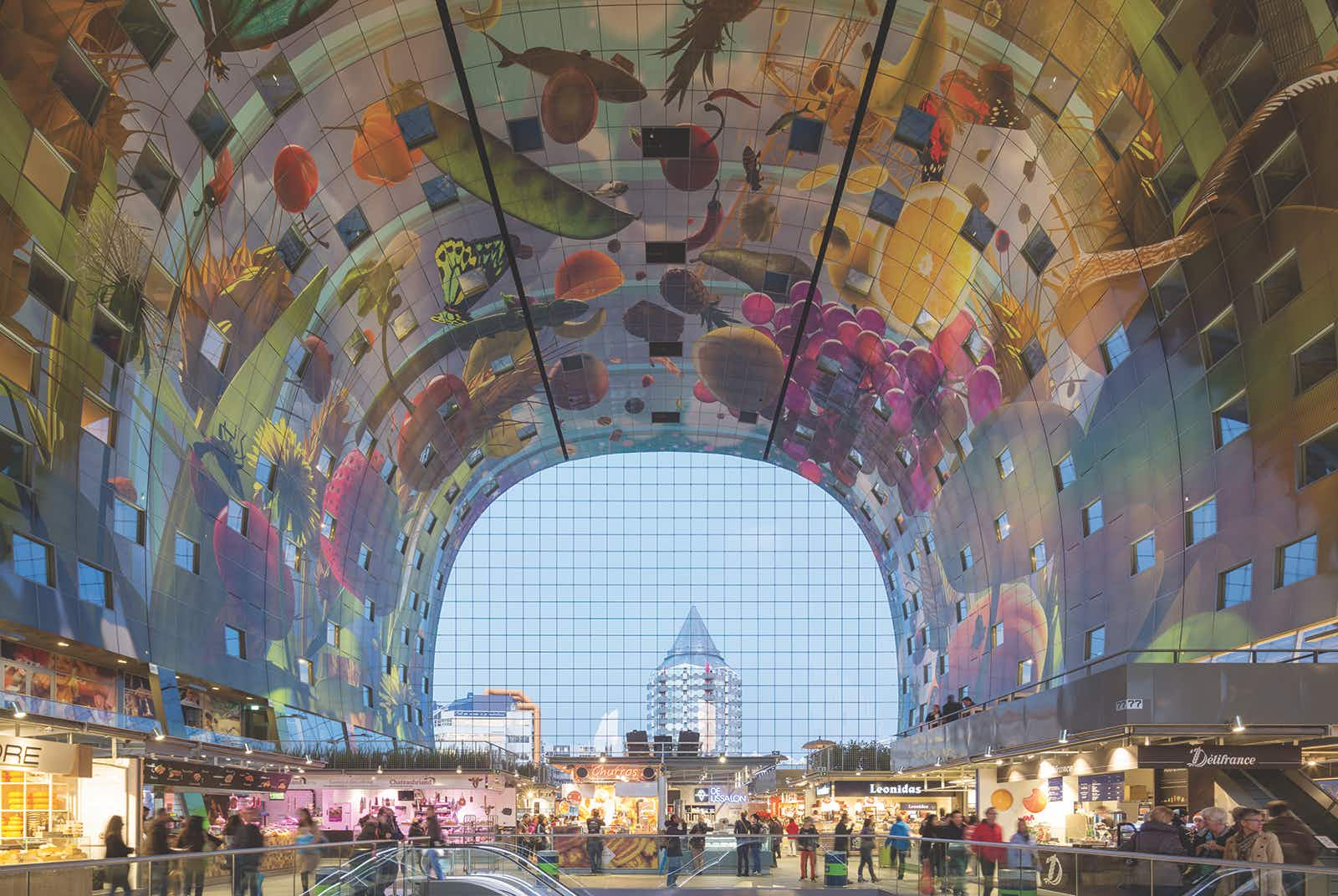 Experiencing the public art of Rotterdam