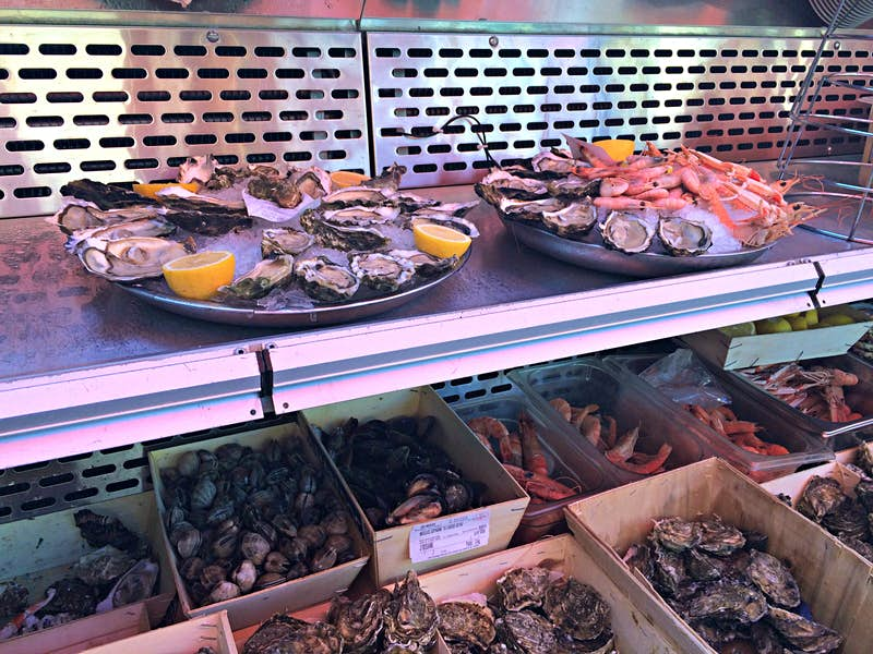 Seafood platters lined up at Brasseries Georges, Brussels © Charlotte McDonald-Gibson/Lonely Planet