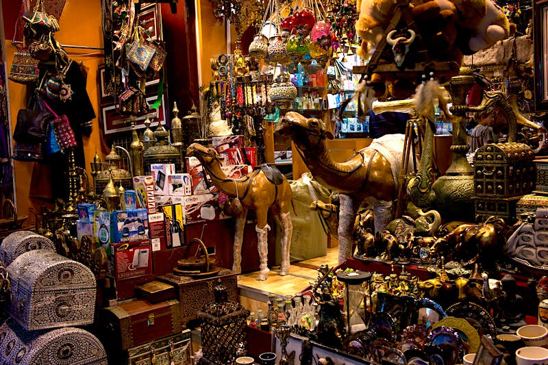 Weird and wonderful treasures are for sale at the Mutrah Souq © Highbury / Getty Images